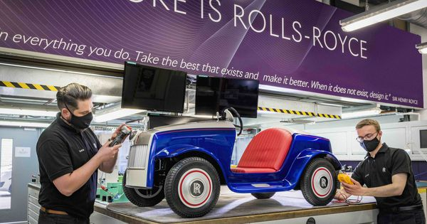 rolls-royce-technicians-restore-one-of-the-company's-most-important-cars